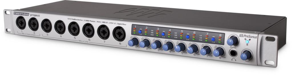 03. La scheda audio PreSonus Firestudio Project viene utilizzata dal vivo come mixer per la gestione dei vari segnali