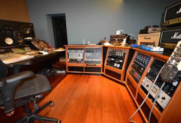 Over studio recording ferrara cento audio pro outboard rack analog hardware audiofader stadio umberto tozzi saverio grandi