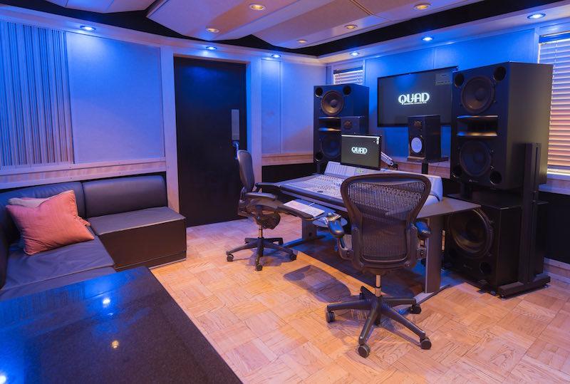 La regia dello studio Q2 dotato di console Dcommand e monitor Augspurger