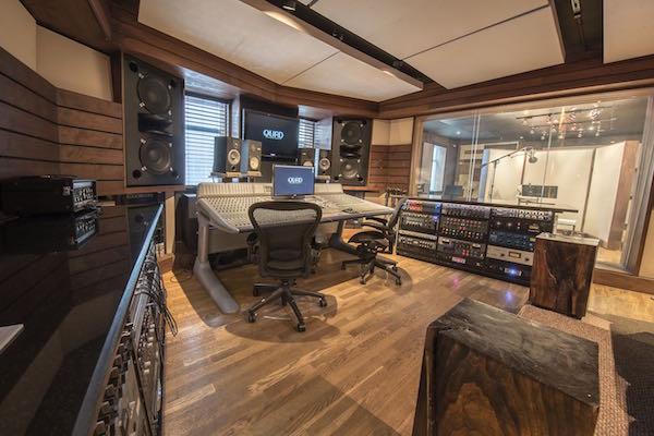 Una panoramica del main studio Q1