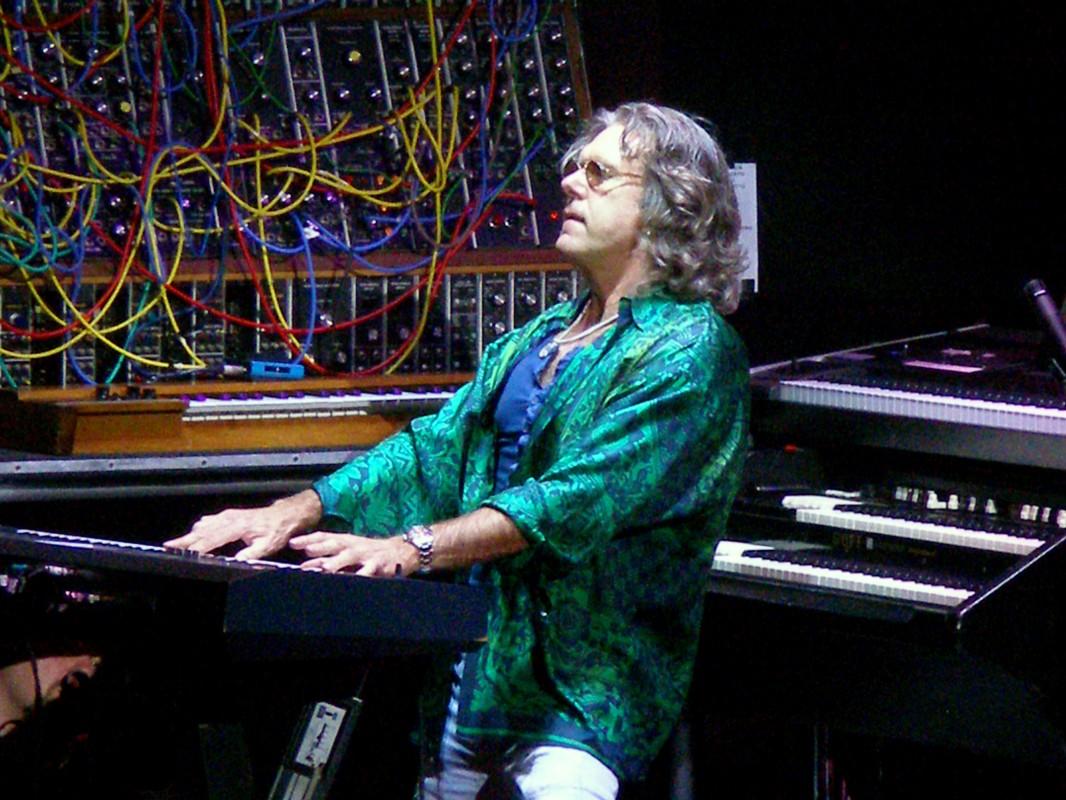 Il compianto Keith Emerson è stato per anni endorser di Generalmusic: egli ricevette in dono dal marchio italiano la S4, un prototipo a 88 tasti pesati esposto al Musikmesse del 1993 e mai realizzato