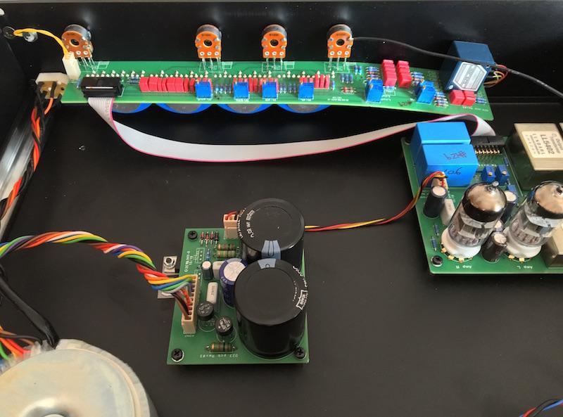 2.La PCB frontale sagomata