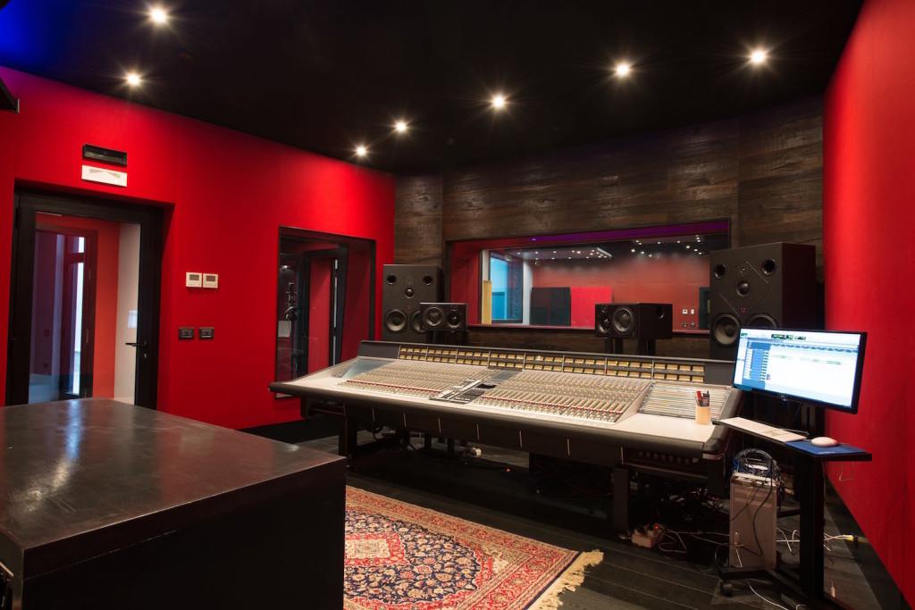 02 La sala regia dello studio Brown