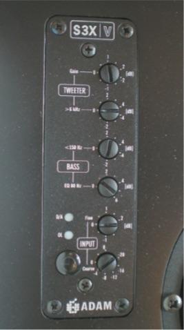 Particolare dei controlli sul pannello anteriore