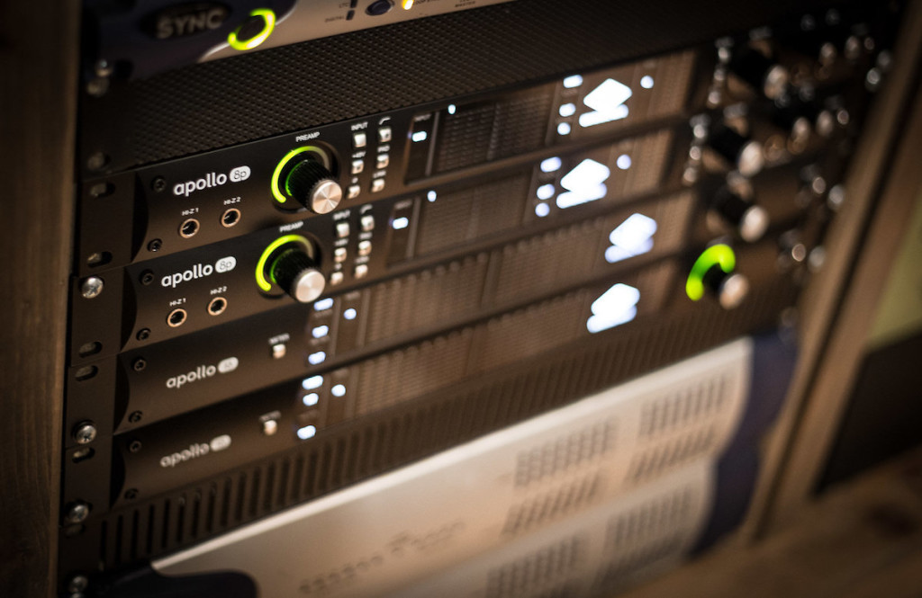 Le interfacce Universal Audio Apollo 8p usate per la sessione