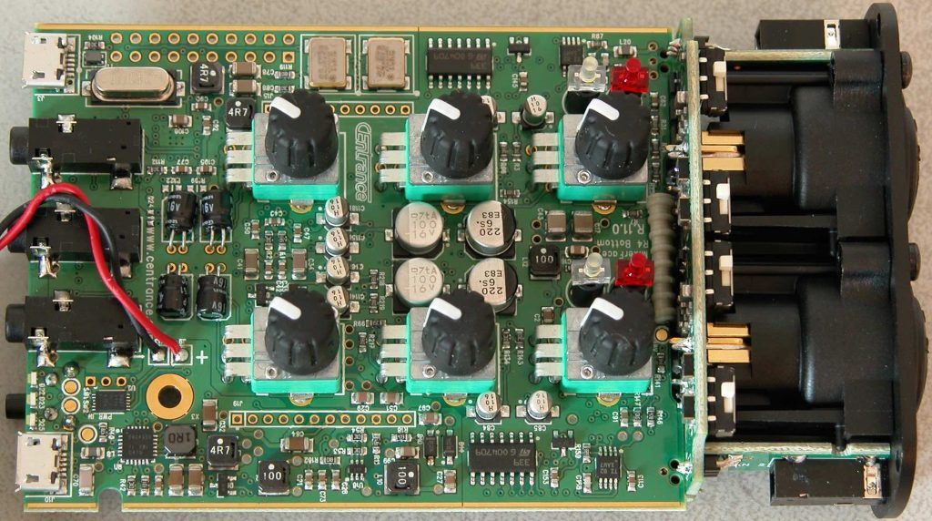 CEntrance MixerFace R4 interfaccia audio mixer broadcast