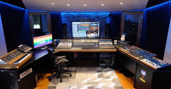 Kalimba Studio recording mix analog outboard hardware