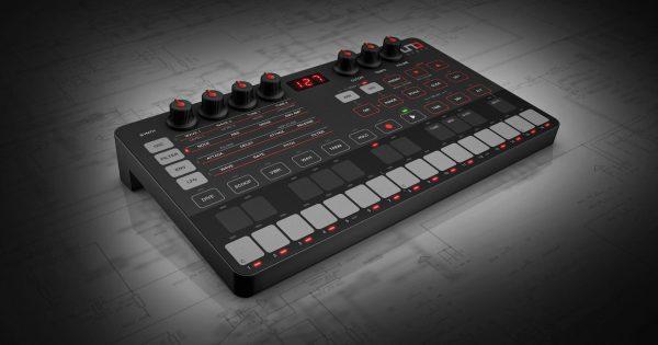 Ik Multimedia UNO Synth sintetizzatore hardware analog