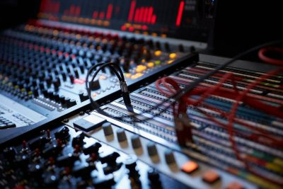 Neve Genesys Black console hardware ibrido analog digital negramaro waveforms studio rec mix