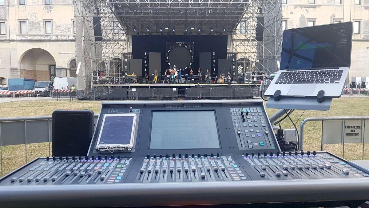 SSL tour Max Gazzè stage mix live mixer modsart audiofader
