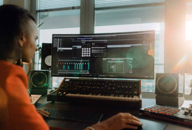 Steinberg #stayhome elements collection wavelab cubase dorico absolute daw software produzione strumenti musicali