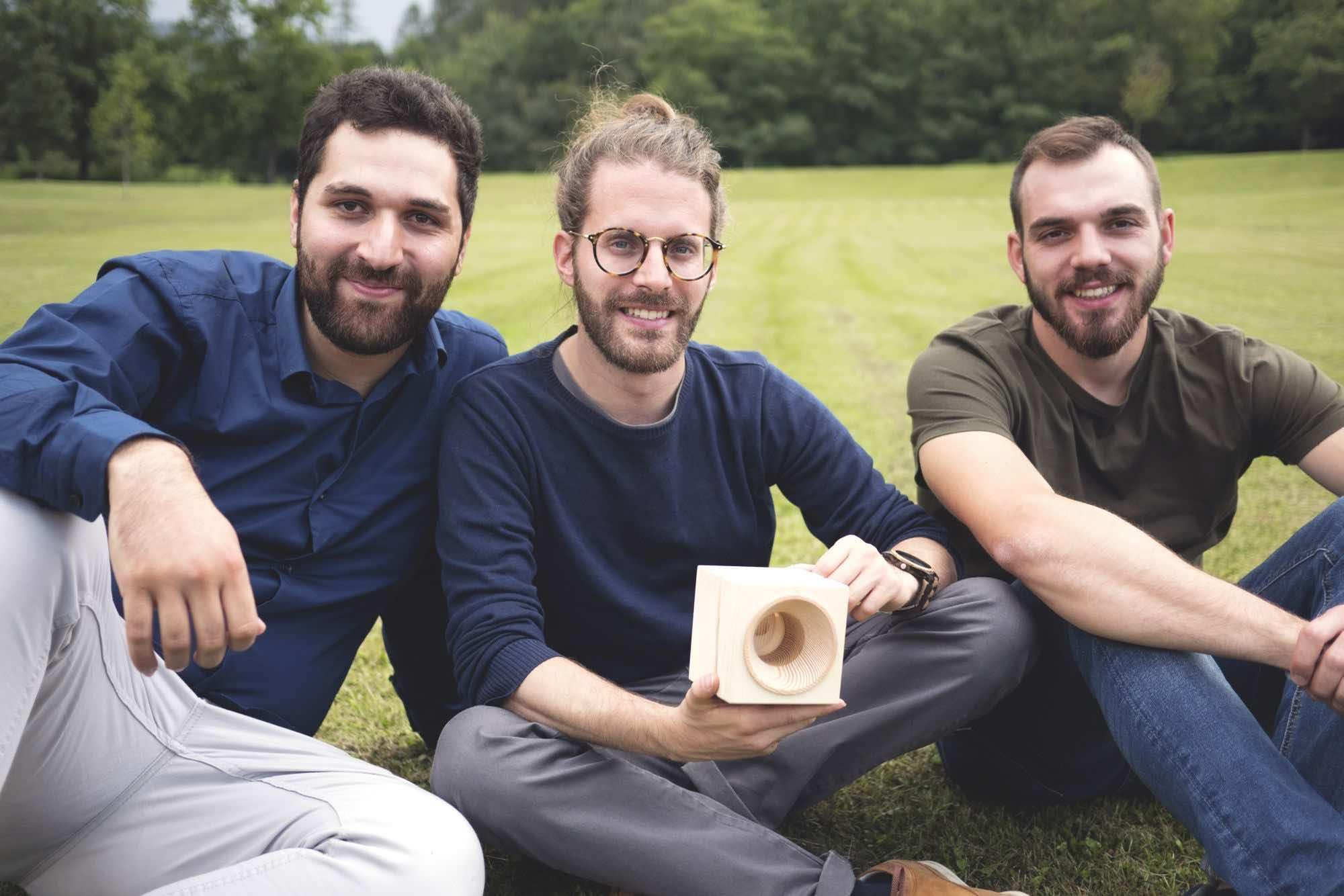 VAIA cassa acustica legno wood amplificatore passivo diffusore acustico trentino dolomiti smartphone audio audiofader ecosostenibilità