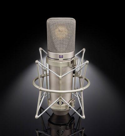Neumann U-67 mic hardware studio recording covid19 cleaning sicurezza exhibo audiofader