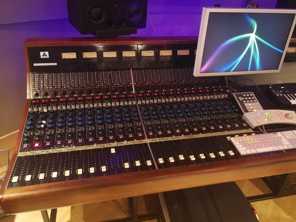 Trident Audio B serie Auditoria Records acustica audio camel