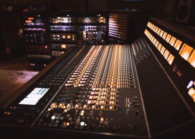 API Audio 2448 hardware mixer console test luca pilla funky junk rec mix audiofader