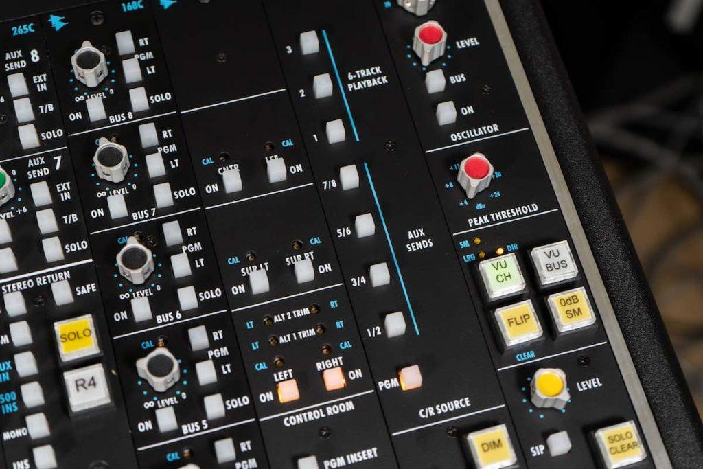 API Audio 2448 512 312 1608 funky junk audiofader