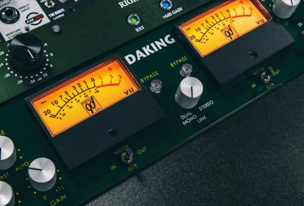 Daking Audio FET Compressor 3 hardware limiter outboard pro audio studio recording mix luca pilla test audiofader
