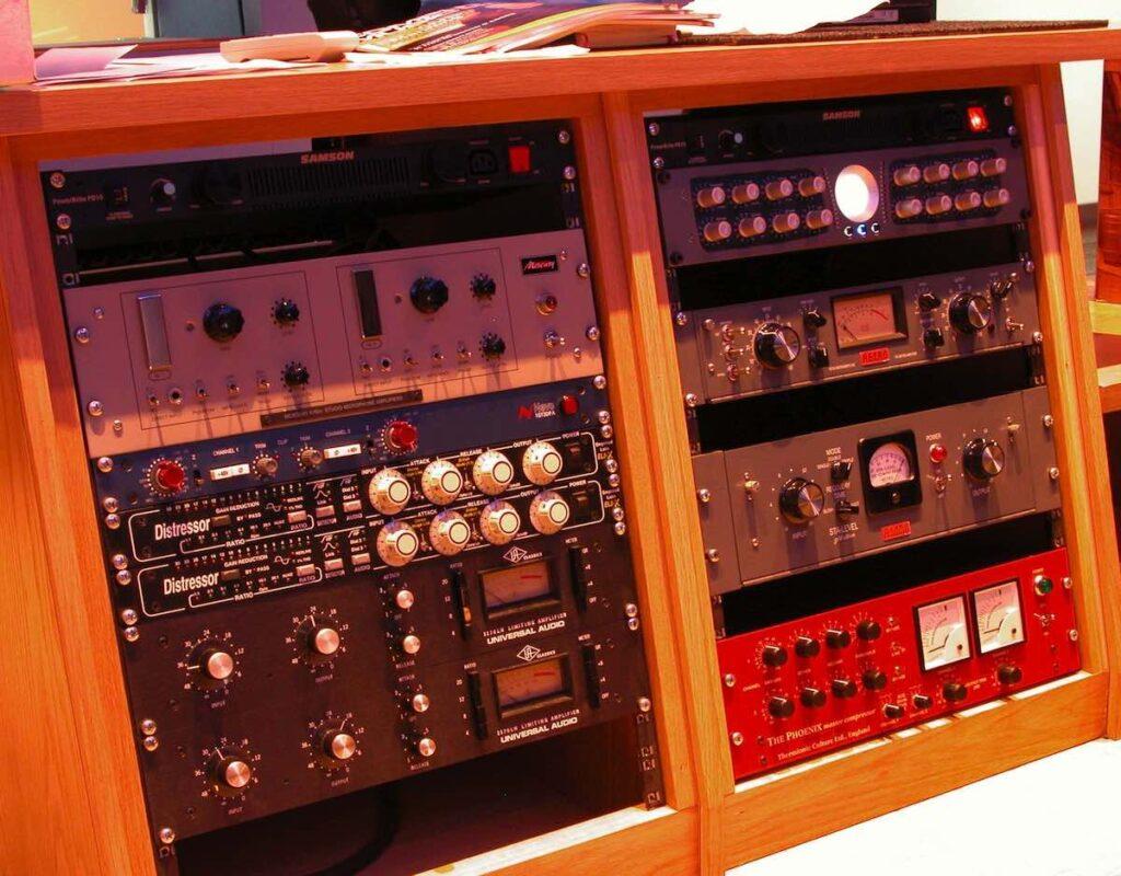 ISHTAR STUDIO hardware studio outboard rec mix mastering luca pilla intervista audio pro