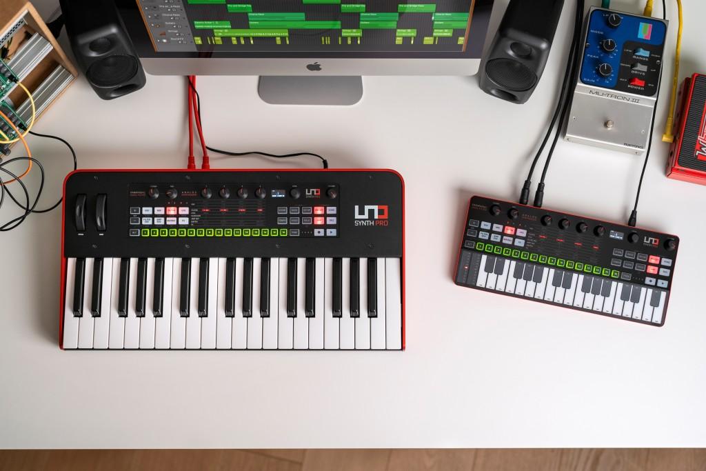 Ik Multimedia UNO Synth Pro Desktop sintetizzatore hardware digital audiofader mogar prezzo