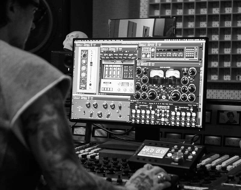 Universal Audio Butch Walker plug-in apollo interfaccia audio mix green day midiware audiofader software mix