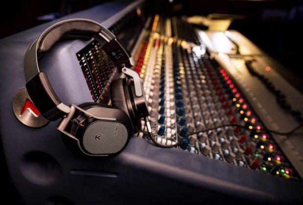 Austrian Audio Hi-X65 cuffie headphones mix mastering studio pro audio audiofader